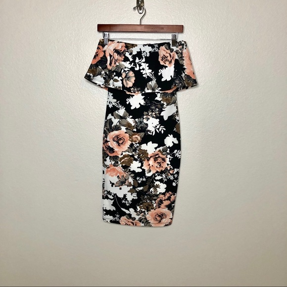 Forever 21 Dresses & Skirts - Forever 21 Ladies Floral Backless Bodycon Dress